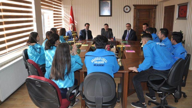 Başarılı sporculardan Demirer ve Arısoy'a ziyaret
