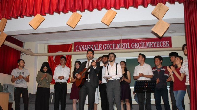 Derinkuyu'da liseli öğrencilerin yıl sonu gösterisi