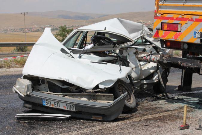 Aksaray'da otomobil vince çarptı: 1 ölü