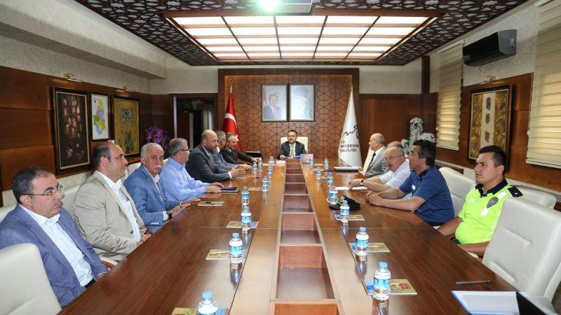 İlhami Aktaş'ın Başkanlığında Trafik Değerlendirme Toplantısı Yapıldı