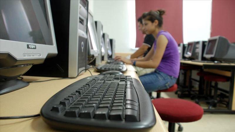 İnternet Salonları Okullardan Uzaklaştırılacak