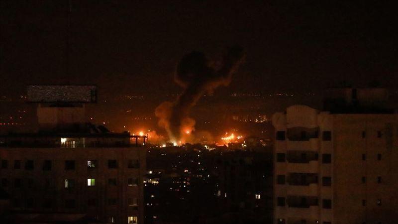 İsrail Gazze'deki İki Noktaya Hava Saldırısı Düzenledi