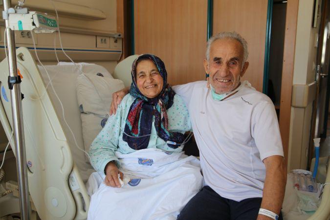 44 yıllık eşini, böbreğiyle hayata bağladı