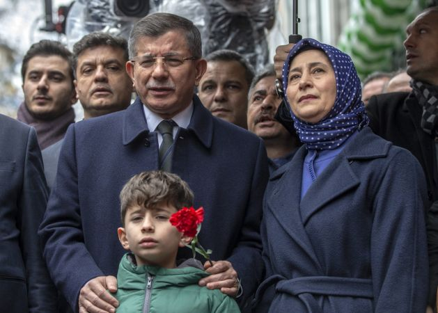 Davutoğlu partisinin Ankara il başkanlığını açtı