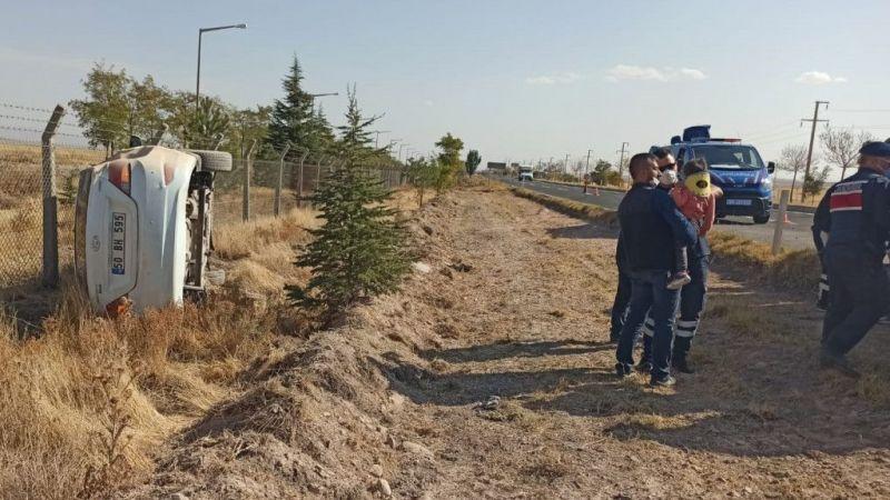 Nevşehir'de devrilen otomobildeki 5'i çocuk 9 kişi yaralandı