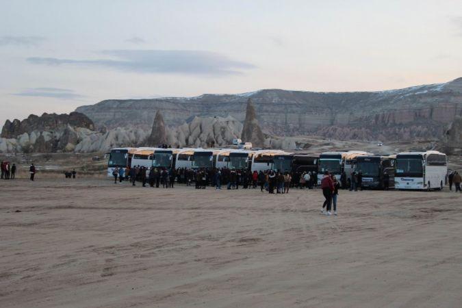 Kapadokyada Koronavirüsü Yok Sayıp Halay Çektiler