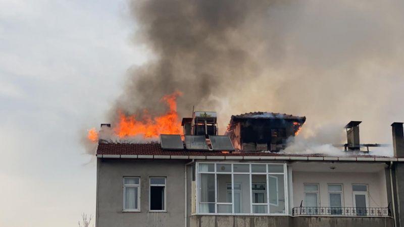 İftara Dakikalar Kala Büyük Yangın! Apartman Tahliye Edildi