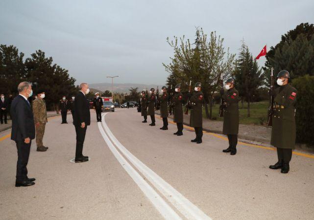 Cumhurbaşkanı Recep Tayyip Erdoğan , Askerlerle İftar Yaptı