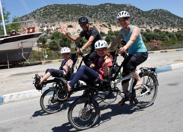 İsviçreli Aile, 2 Bisikletle Türkiye'yi Geziyor