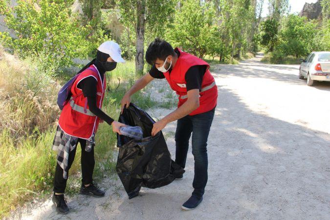 Genç Kızılay Nevşehir Gönüllüleri Göreme'deki Vadileri Temizledi!