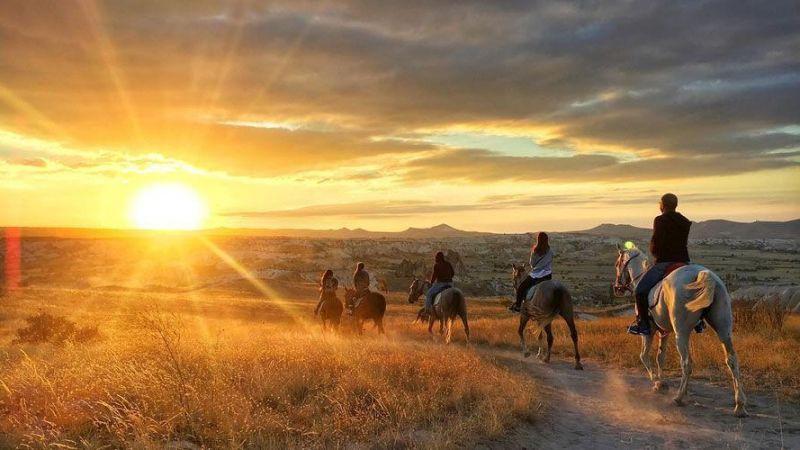 Kapadokya'da Atçılık Geleneğinin Temsilciliğini Kapadokya At ve Atçılık Geliştirme Derneği Yapıyor