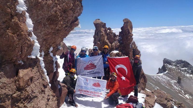 Erciyes'te Büyük Buzul Tırmanışı Yapıldı