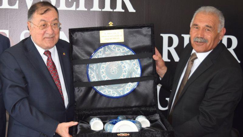 Pınarbaşı'ndan Başkan Parmaksız'a Teşekkür