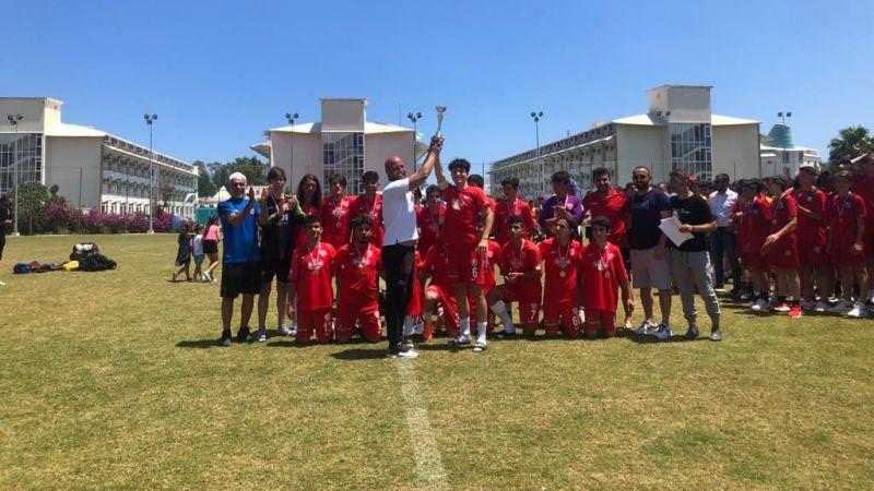 Nevşehir Belediyespor u15 takımı Antalya'dan 3'lük Kupası İle Dönüyor