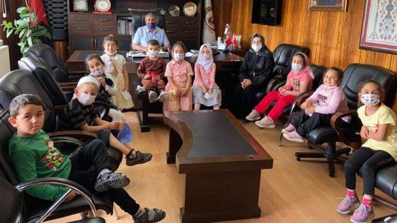 Minik Kur'an Kursu Öğrencilerinden Başkan Ertürk'e Ziyaret