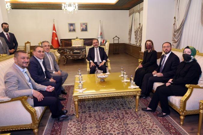 Gençlik ve Spor Bakanı Kasapoğlu, Nevşehir Belediyesini Ziyaret Etti