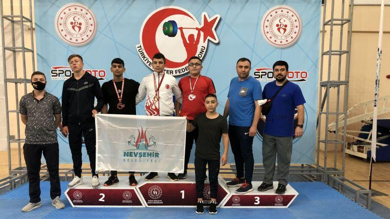 Türkiye Halter Şampiyonası'na Sporcularımız Damga Vurdu