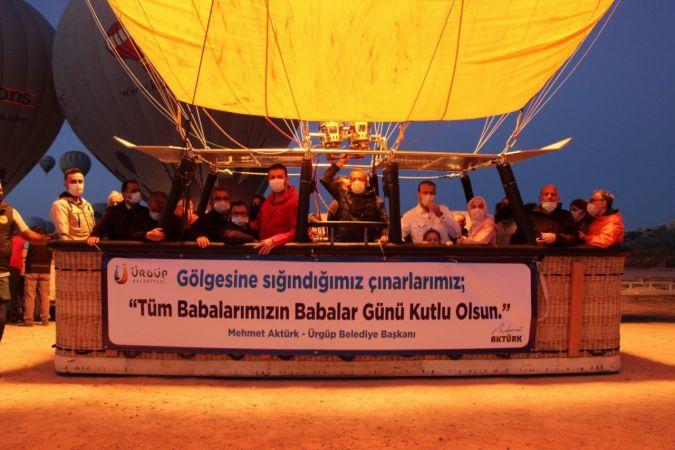 Kapadokya'da 10 Baba, Babalar Gününü Havada Kutladı