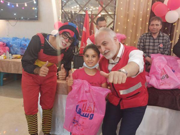Gazze'deki Yetimlere Kızılay'ın Yardımları Sürüyor