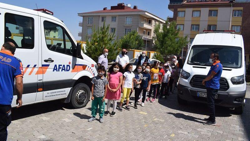 İlkokul Öğrencilerinden AFAD'a Ziyaret