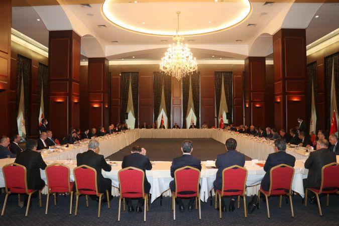 Başkan Savran, Belediye Başkanları İstişare ve Değerlendirme Toplantısına Katıldı