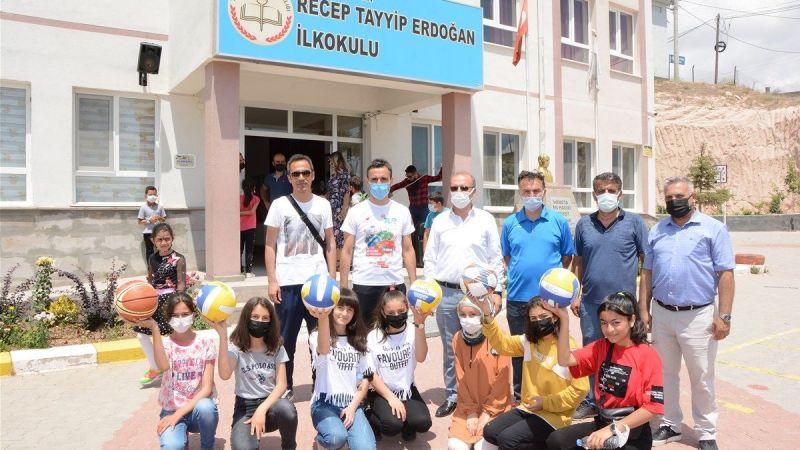 Kavak Belediye Başkanı Bağcı da Çocukları Sevindirdi