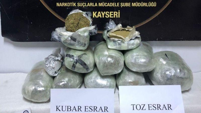 Kayseri'de Kargo Aracında 10 Kilo Esrar Bulundu