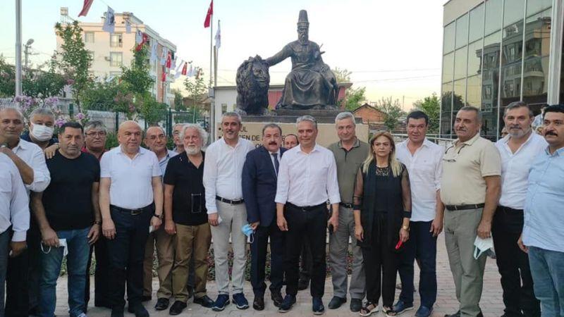 Antalya'da Hacıbektaş Veli Heykeli