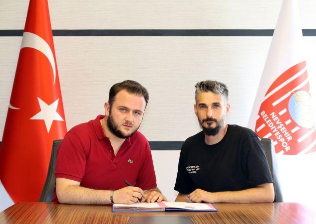 Nevşehir Belediyespor Abdullah Karmil'e İmzayı Attırdı