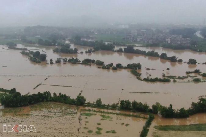 Çin'de Sel'den 12 Kişi Öldü