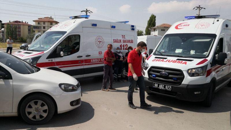 Aksaray'da Vakaya Giden Ambulans İle Otomobil Çarpıştı: 3 Çocuk Yaralı