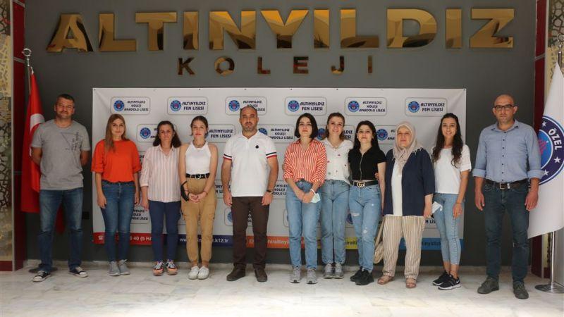 Türkiye Şampiyonlarından Altınyıldız Kolejine Teşekkür Ziyareti