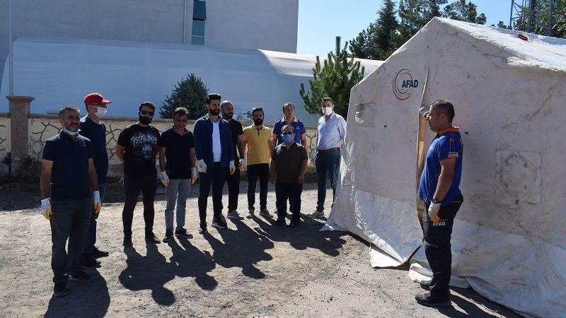 Nevşehir'de Çadır Kurma Eğitimleri Devam Ediyor