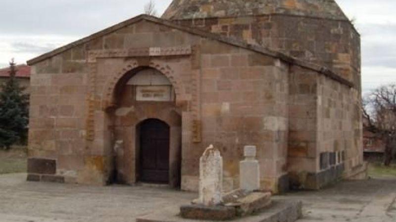 Hacıbektaş'taki 400 Yıllık Tarihi Türbe