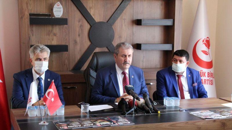 BBP Genel Başkanı Destici Düzensiz Göçmenlere Tepki Gösterdi