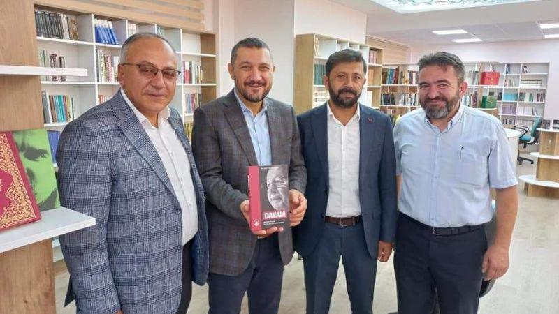 Milletvekili Açıkgöz'den Gençlere Okunacak Kitap Önerisi