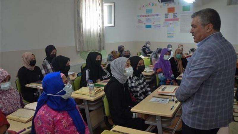 Öğrenciler İyilik Konutları Projesine Destek Oldular