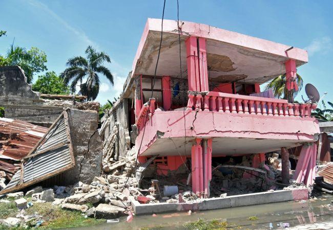 Haiti'deki Depremde 724 Kişi Hayatını Kaybetti
