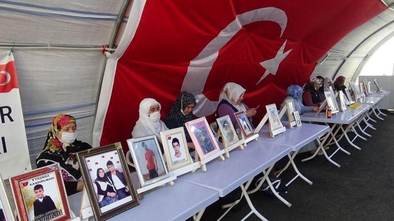 HDP'ye Evlat Nöbetindeki Anneden Tepki