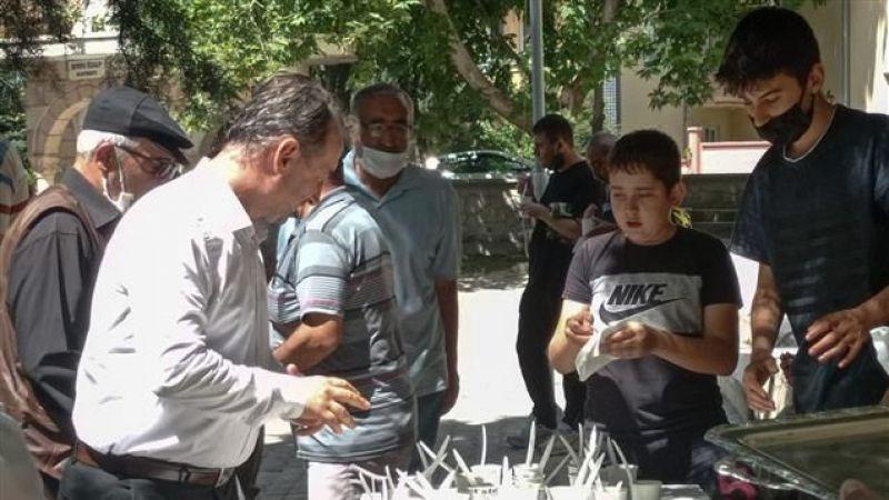 Remzi Koparan Camiinde Aşure Programı