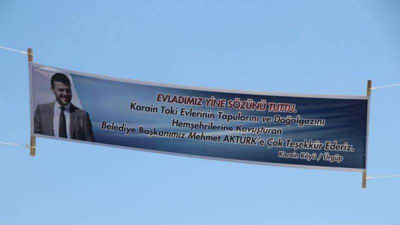 Başkan Aktürk'e Pankartlı Teşekkür