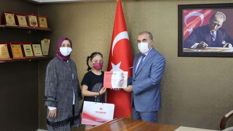 İstiklal Marşı'nın Kabulu ve Mehmet Akif Ersoy'u Anma Günü 100. Yıl Dönümü Ödülleri Verildi