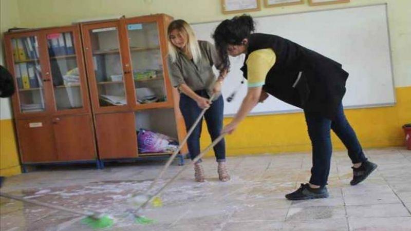 Öğretmenlerin Okulu Temizlemesi Tepki Çekti