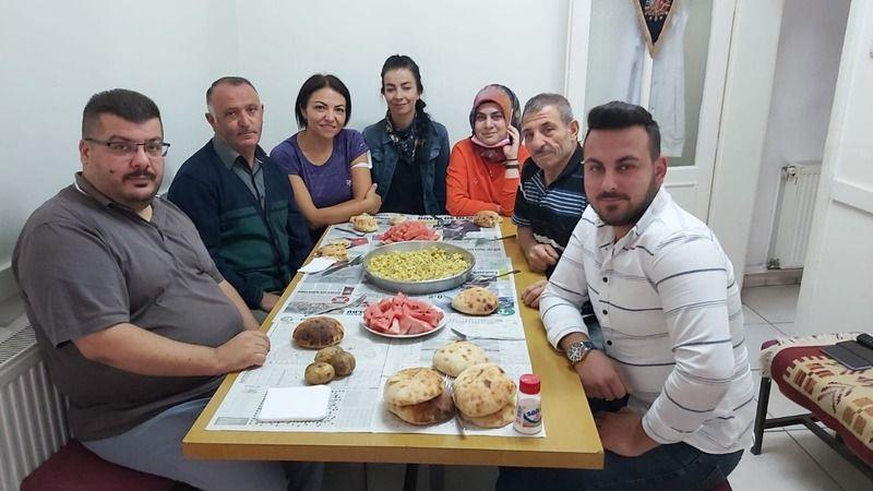 Akbudak Ailesi'nden Gazeteci Can Taşkın'a Yemek Daveti
