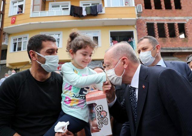 Cumhurbaşkanı Erdoğan, Daveti Çevirmedi Çay İçti