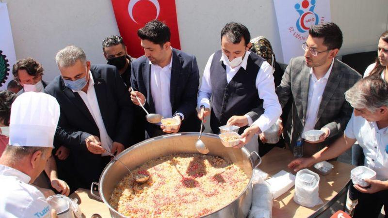 Nevşehir'de Öz Sağlık İş'den Aşure İkramı