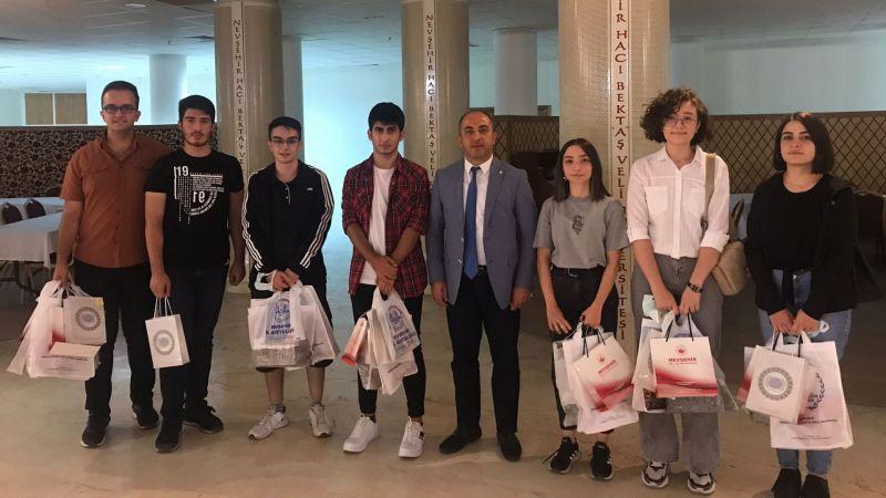 Üniversite Sınavı Şampiyonu Nevşehir 1.si Altınyıldızlılar Ödüllendirildi