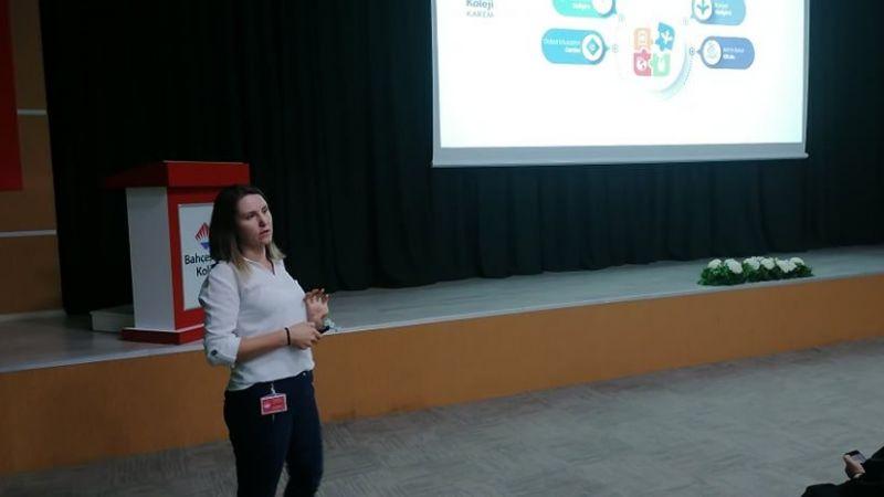 Bahçeşehir Koleji Lise Kadrosu ile 10. Sınıf Velileri Tanıtım Toplantısında Buluştu