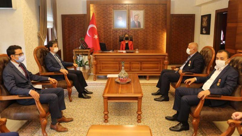 Başkan Çiftçi ve Yönetimi Vali Becel'i Ziyaret Etti