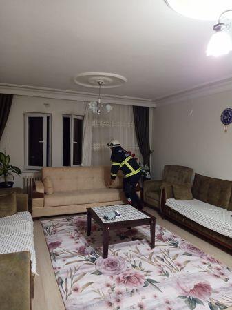 Nevşehir'de Eve Giren Yarasaları İtfaiyeciler Çıkarttı